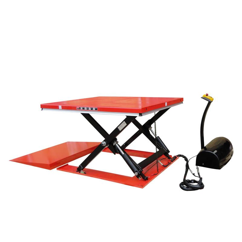Low Profile Scissor Table with Ramp <br />Capacity: 1000kg <br />Model: HY1001